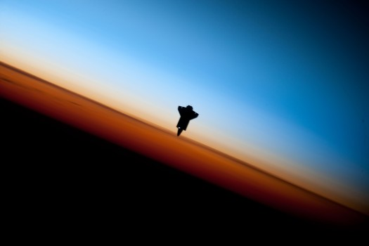 Endeavour_STS-130_Earth_Limb